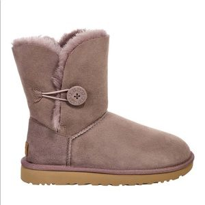 UGG® Bailey Button II boot😍 brand new in box!